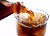 Газированные напитки могут разрушать зубную эмаль