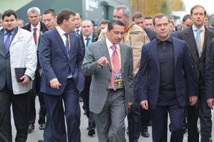Губернатор поблагодарил Олега Сиенко за высокий уровень организации выставки RAE-2013