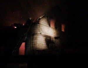 В Нижнем Тагиле во время пожара в частном доме погибли ребенок и его отец