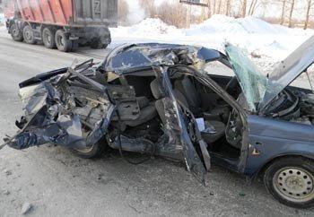 В ДТП на Северном шоссе серьёзно пострадали 2 человека