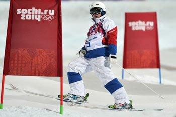 Шестую медаль для нашей сборной завоевал Александр Смышляев в соревнованиях по фристайлу
