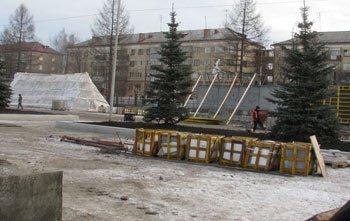 Глава города провел инспекцию проблемных точек Дзержинского района