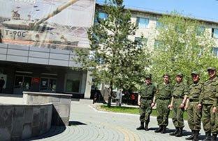 16 лучших танковых экипажей страны проходят обучение на Уралвагонзаводе