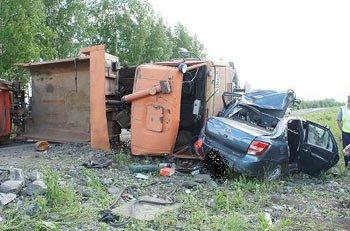В ДТП на 58 км автотрассы Николо-Павловское - Алапаевск погибли 2 человека