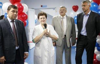 Евгений Куйвашев посетил станцию переливания крови №3 Нижнего Тагила