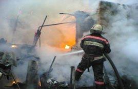 Ночью 10 августа во время пожара в Дзержинском районе погиб мужчина