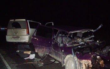 Под Первоуральском столкнулись Хонда и Иж-Ода, погиб водитель