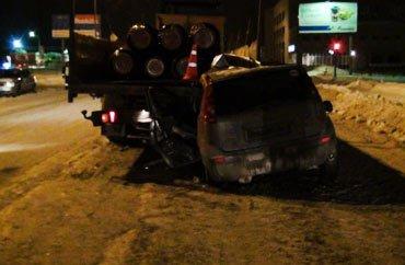 В Екатеринбурге на Шефской в ДТП погиб водитель а/м