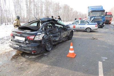 В ДТП на 103 км автодороги Екатеринбург - Тюмень погибли 3 человека