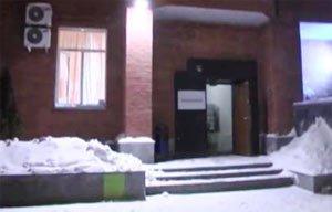 Полиция разыскивает грабителей, забравших 50 млн рублей из автосалона в Екатеринбурге