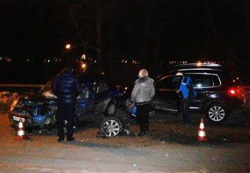 В автоаварии на Красногвардейской столкнулись три авто, пострадали люди