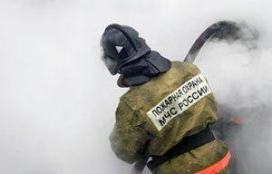 В посёлке Висимо-Уткинск сгорел жилой дом со всеми постройками