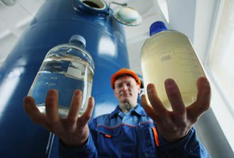 Тагильчане пью воду с повышенным содержанием солей тяжелых металлов