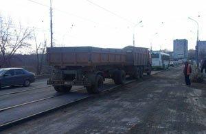 Общественники требуют закрыть проезд по мосту на улице Фрунзе