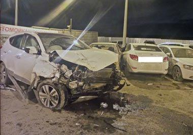В Екатеринбурге столкнулись шесть авто, погиб водитель кроссовера