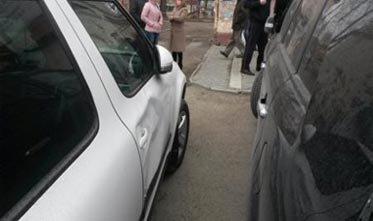 Автоледи сбила пешехода на парковке на проспекте Мира