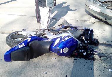 Мотоциклист, попавший под колеса а/м Ниссан на улице Фрунзе, скончался в больнице