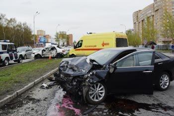 В Екатеринбурге столкнулись два а/м Тойота, погиб человек
