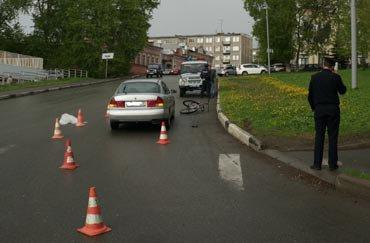 Малоопытный водитель сбил подростка-велосипедиста на переходе