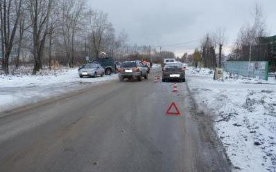 На Уральском проспекте иномарка сбила женщину с коляской