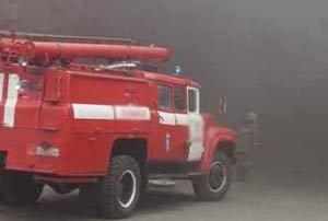 Во время пожара в гаражном боксе на Индустриальной погиб человек