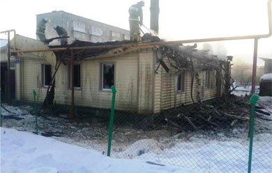 Во время пожара на Северном поселке удалось избежать взрыва бытового газа