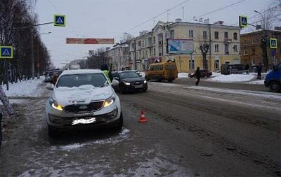 На Фрунзе водитель кроссовера сбил пенсионерку на переходе