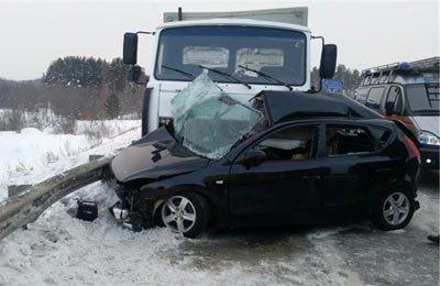В районе Евстюнихи в ДТП погибла женщина-водитель а/м Hyundai i30