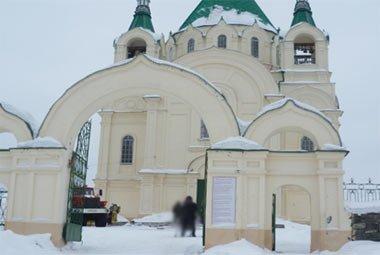 В соборе Александра Невского скончался бездомный