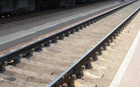 В районе Смычки грузовой поезд сбил женщину насмерть