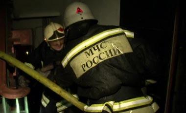 На Красноармейской сгорела лестница в жилом доме