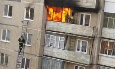В поселке Верхняя Черемшанка сгорела баня, на Северном - балкон в 5-этажке