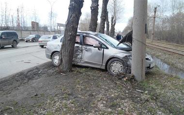 На Восточном шоссе столкнулись четыре автомобиля