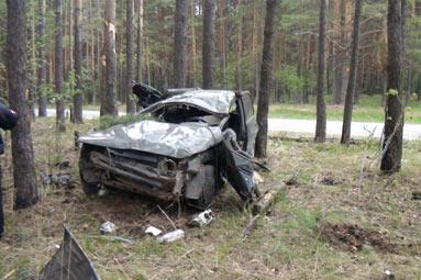 В Свердловской области перевернулся ВАЗ-2112, погибли два человека