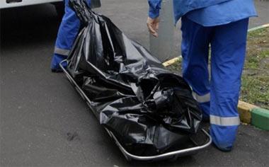 В Нижнем Тагиле в мусорном контейнере в центре города обнаружен труп мужчины