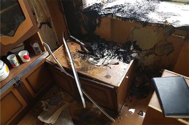 Из-за электроплитки на Энтузиастов горела квартира