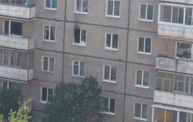 Во время тушения пожара в квартире дома на Гальянке пожарные обнаружили труп пенсионера со следами насильственной смерти