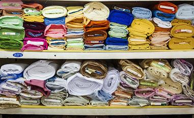 На Вагонке двое парней ограбили магазин по продаже тканей
