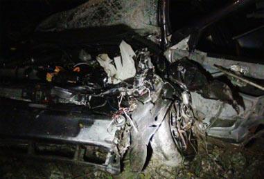 В лобовом столкновении под Асбестом погибли три человека, четверо получили травмы