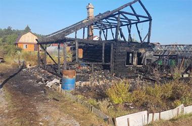 В Николо-Павловском горела квартира в 5-этажке, на Вагонке - садовый дом