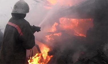 На Песчаном сгорел садовый дом с надворными постройками