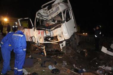 ДТП в селе Николо-Павловское: грузовик врезался в дом, погибли пять человек