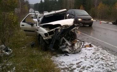 В Свердловской области в двух ДТП погибли три человека и двое получили ранения