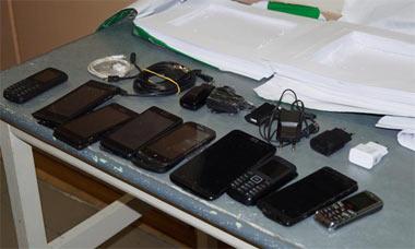 В колонию №12 пытались пронести крупную партию сотовых телефонов