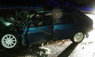 В районе села Покровское ВАЗ-09 столкнулся с грузовиком, тяжелые травмы получили пять человек