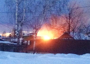 Пожар на улице Тургенева на Малой Кушве тушили в течение семи часов