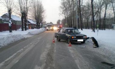 ВАЗ-07 сбил пешехода на Фестивальной, пострадавший доставлен в больницу