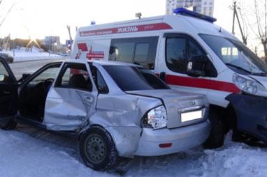 В ДТП с участием скорой помощи в Екатеринбурге пострадали 5 человек