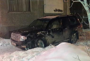 В Екатеринбурге столкнулись скорая помощь и внедорожник