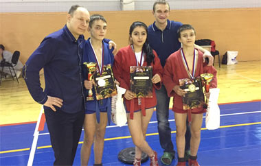 Тагильские спортсмены завоевали медали на турнире по самбо